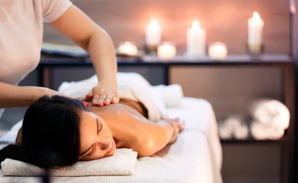 Скидка на Классический, антицеллюлитный, мальдивский и другие виды массажа, а также скрабирование и обертывание в салоне Сoco Spa. Скидка до 82%