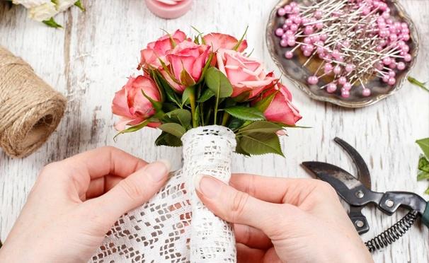 Скидка на Курсы «Начинающий флорист» и «Флорист Про» + увлекательный мастер-класс по флористике в цветочной мастерской Flower Loft. Скидка до 75%