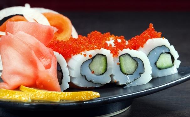 Скидка на Любые роллы с доставкой от суши-бара «Окумаки». Скидка 55%