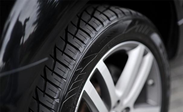 Скидка на Шиномонтаж четырех колес от R13 до R22 в сети автосервисов «Автобаня». Скидка до 74%