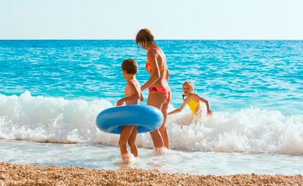 Скидка на Проживание в номере выбранной категории, завтраки, бассейн, солярий и другие развлечения в отеле Aquatur в Архипо-Осиповке. Скидка 50%