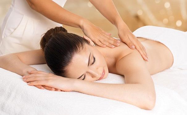 Скидка на Массажные программы «Стройная фигура» и «Здоровая спина», а также классический, медовый, антицеллюлитный, вакуумный и другие виды массажа в салоне «Лотос». Скидка до 55%