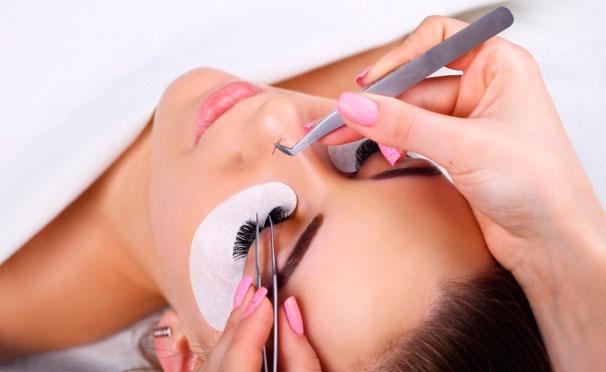 Скидка на Онлайн-курсы макияжа, уход за бровями, маникюра, наращивания ногтей и восковой эпиляции от школы красоты Beauty. Скидка до 80%