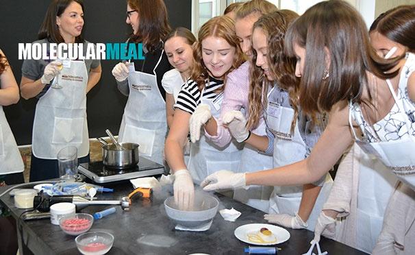 Скидка на Мастер-класс онлайн по приготовлению молекулярной яичницы с фруктовыми спагетти для одного или двоих от компании Molecularmeal. Скидка 50%