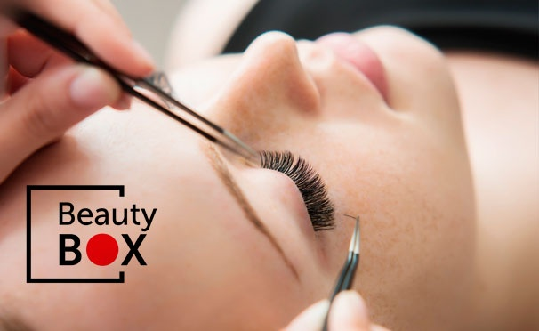 Скидка на Классическое или объемное наращивание ресниц + ламинирование ресниц в салоне красоты Beauty Box. Скидка до 60%
