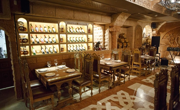 Скидка на Скидка 50% на все меню кухни и напитки в трактире «Армения» на Тверской