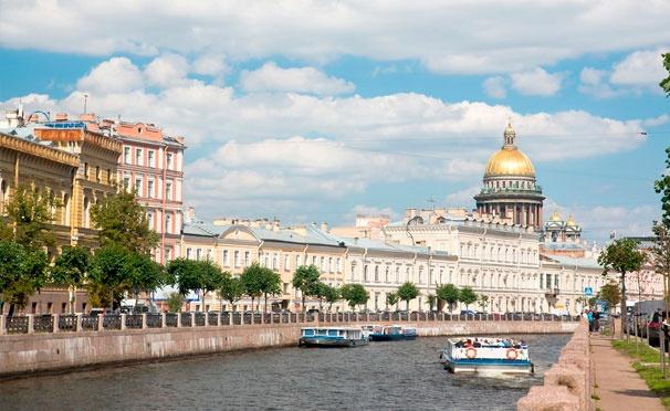 Скидка на Увлекательная прогулка на теплоходе по рекам и каналам Санкт-Петербурга от судоходной компании «Минхерц & Ко». Скидка 50%