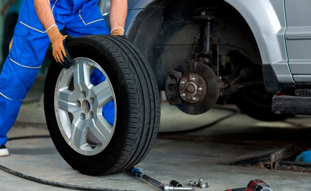 Скидка на Шиномонтаж + 3D-балансировка колес в сети автотехцентров «Пит Стоп». Скидка до 70%