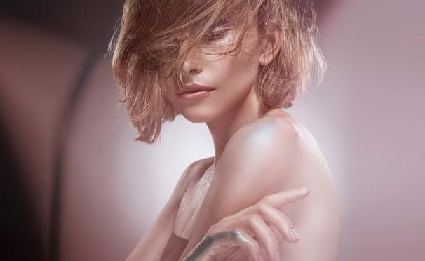 Скидка на Скидка до 94% на профессиональную фотосессию с созданием образа, макияжем, реквизитами в сети фотостудий Light-Worlds