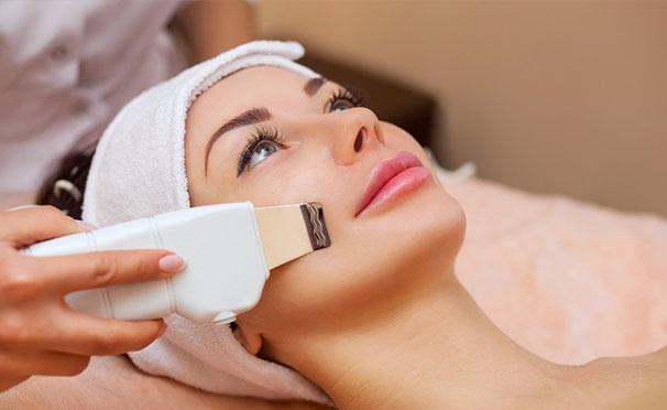 Скидка на Ультразвуковая, механическая или комбинированная чистка лица + химический пилинг в студии косметологии AMLA. Скидка до 85%
