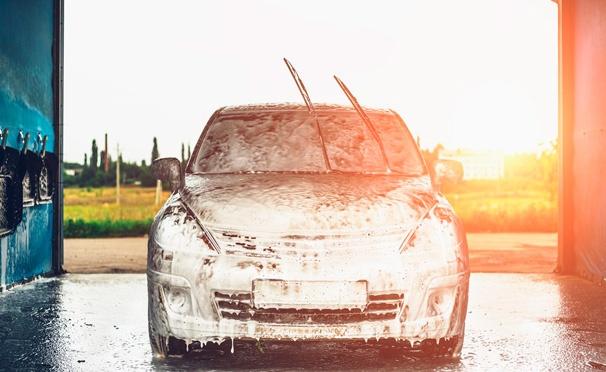 Скидка на Скидка до 59% на экспресс-, стандартную или комплексную мойку легковых автомобилей в автомойке «Аквастар»