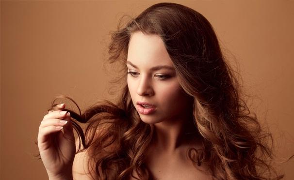 Скидка на Мужские, женские и детские стрижки, мелирование, окрашивание, ламинирование волос, моделирование бороды, окрашивание ресниц, коррекция бровей и не только в «Парикмахерской на Гагарина». Скидка до 77%