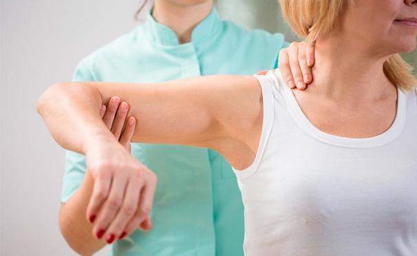 Скидка на Услуги «Центра восстановительной медицины на Бауманской»: консультация мануального терапевта, УЗИ позвоночника и сеансы лечебного массажа спины! Скидка до 83%