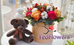 Букеты из роз, гвоздик и тюльпанов