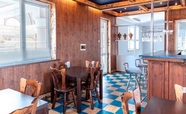Скидка на Проживание в номере на выбор + питание для двоих или троих в отеле La Russ в Адлере. Скидка 30%
