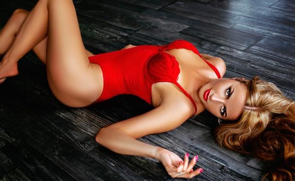 Скидка на Услуги студии красоты «Ассоль»: тайский массаж, бронзирование, макияж, маникюр и педикюр с покрытием Shellac, стрижка, «Ботокс для волос» и многое другое! Скидка до 88%
