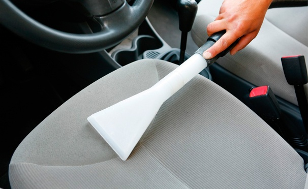 Скидка на Комплексная химчистка и уход за автомобилем на автомойке Fast and Shine. Скидка до 80%