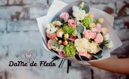 Букеты из роз и тюльпанов