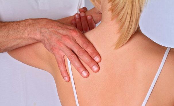 Скидка на Массаж в салоне красоты «Валента»: классический массаж спины, шеи, рук, живота, сегментарный, медовый, баночный, антицеллюлитный. Скидка 50%