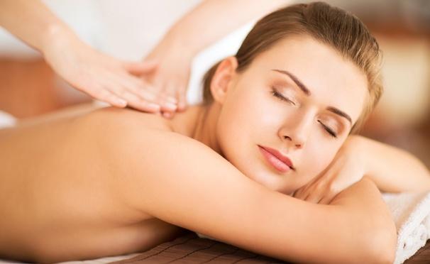 Скидка на Классический массаж головы, ног, спины, детский оздоровительный массаж спины, антицеллюлитный массаж проблемных зон в студии красоты Miami: 3, 5 или 7 сеансов. Скидка до 78%