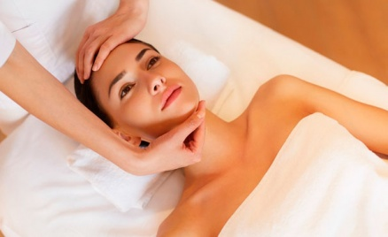 Лечение акне, массаж и чистка лица