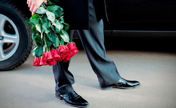 Скидка на Букеты роз, а также голландские розы в шляпной коробке или корзине от интернет-магазина Beauty Roses. Скидка до 72%