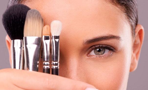 Скидка на Индивидуальные мастер-классы и курсы в международной школе макияжа «Визаж Nonstop» со скидкой до 80%