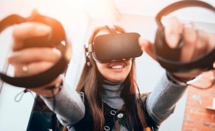 Игры в шлеме HTC Vive, 5D-кинотеатр