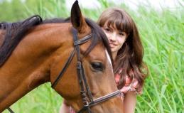 Конные прогулки для взрослых и детей