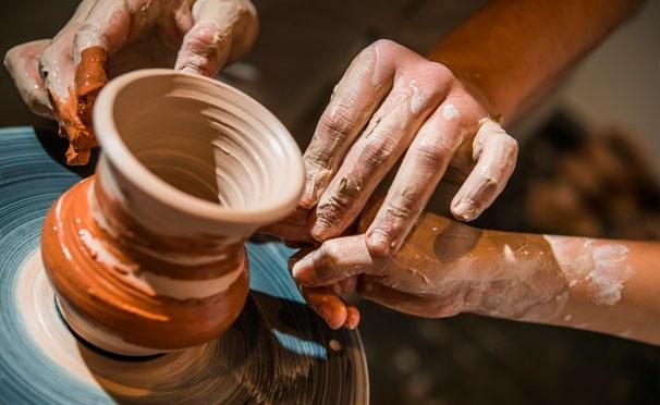 Скидка на Мастер-класс по гончарному мастерству для одного или двоих в арт-пространстве Babochka. Скидка до 54%