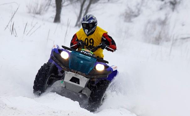 Скидка на Катание на квадроцикле или снегоходе по трассе вдоль Москвы-реки + экипировка и сопровождение инструктора от компании QuadroRent. Скидка до 78%