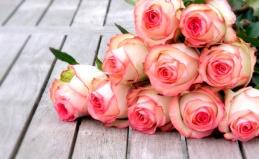 Букеты из роз, тюльпанов, ирисов
