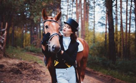 Конные прогулки и фотосессии
