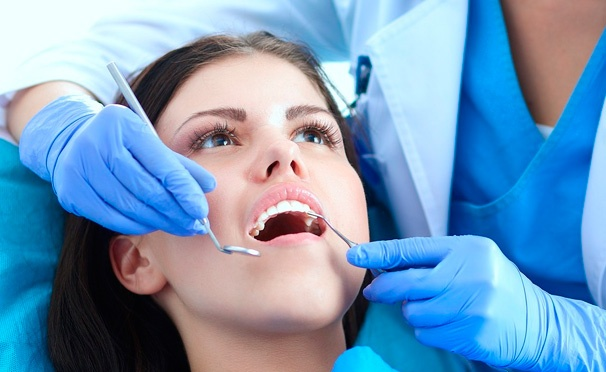 Скидка на Стоматологические услуги в «Институте Инновационной Медицины»: пломбирование и реставрация зуба, имплантация, металлокерамические коронки (Германия), виниры (люминиры), циркониевые коронки. Скидка до 80%