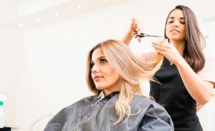 Стрижка, окрашивание и лечение волос
