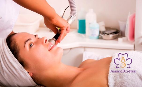 Скидка на Гликолевый или миндальный пилинг, микротоковая терапия, RF-лифтинг в центре эстетической медицины «АмикоЭстетик». Скидка до 87%