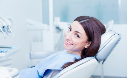 Чистка зубов, лечение, удаление